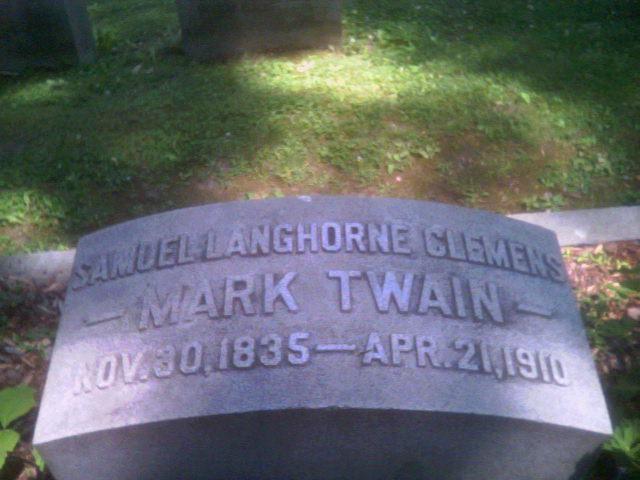 samuel clemens mark twain essay Mark twain (mark tven, taxallus, haqiqiy ismi samuel langhorne clemens — semyuel lengxorn klemens 1835—1910) — buyuk amerikalik yozuvchi, satirachi, jurnalist va.