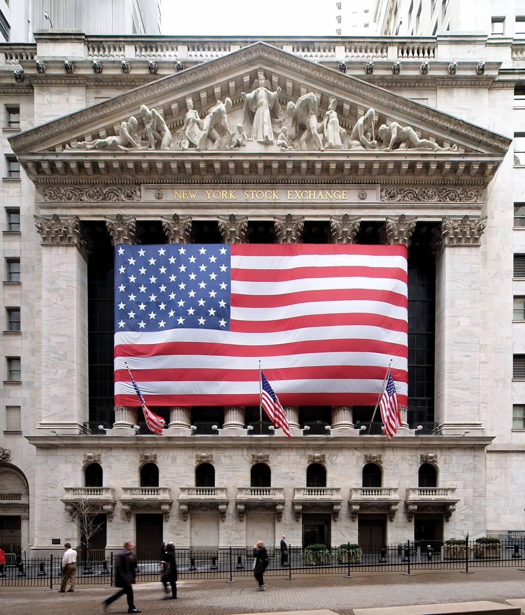 essay new york stock exchange New york stock exchange, new york, new york 234k likes the new york stock exchange helps companies raise the capital that raises the world.