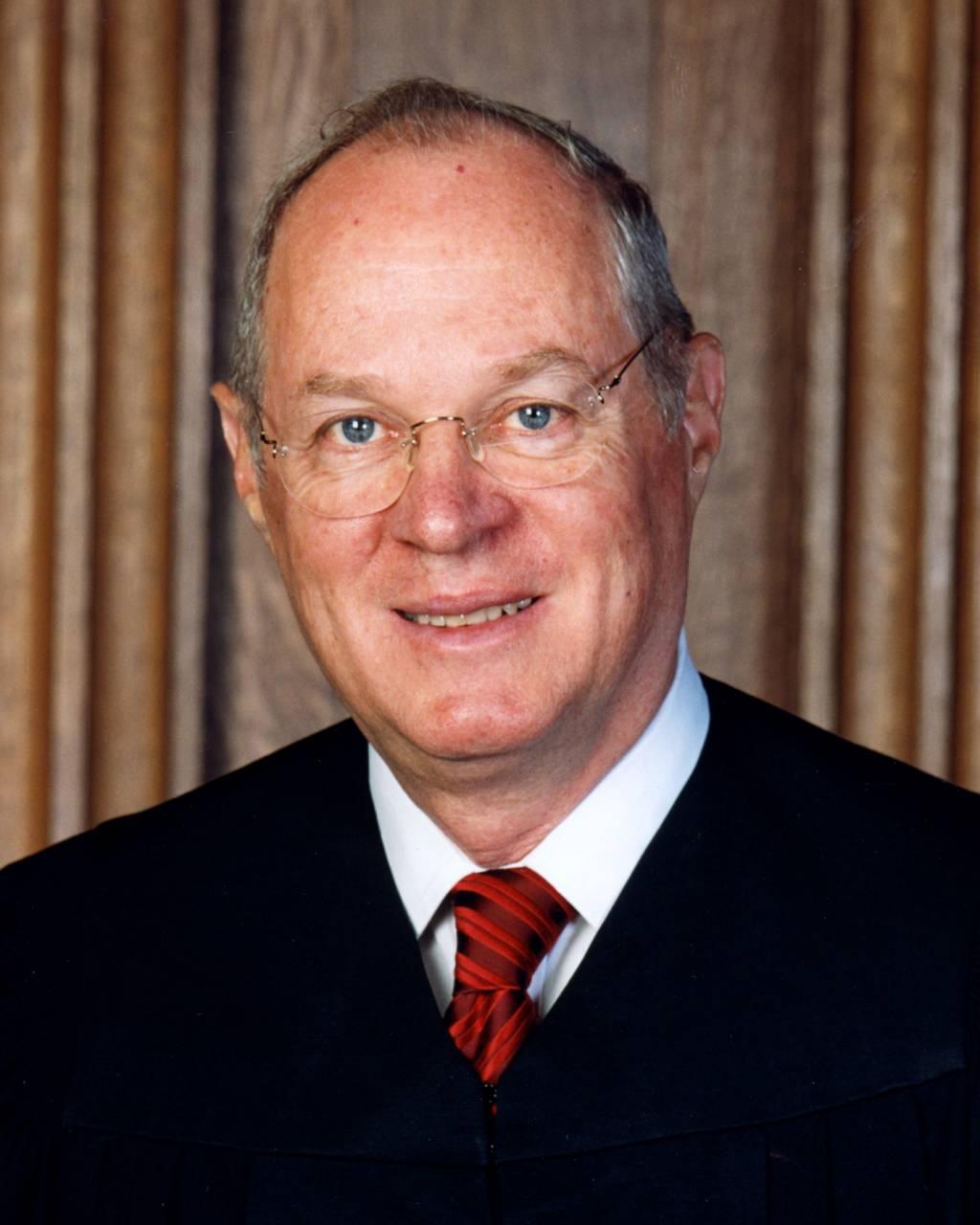 Judicial activism vs judicial restraint essay help