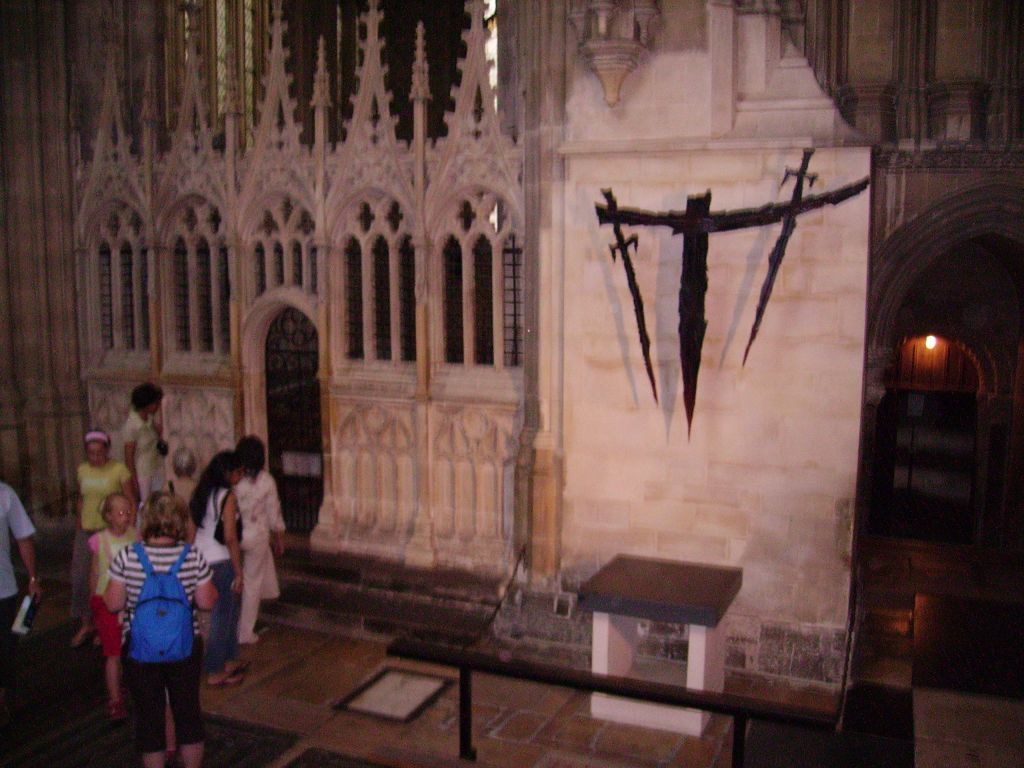 thomas becket essay comparision of gothic cathedral architecture  comparision of gothic cathedral architecture of england and europe altar marking the spot of thomas becket
