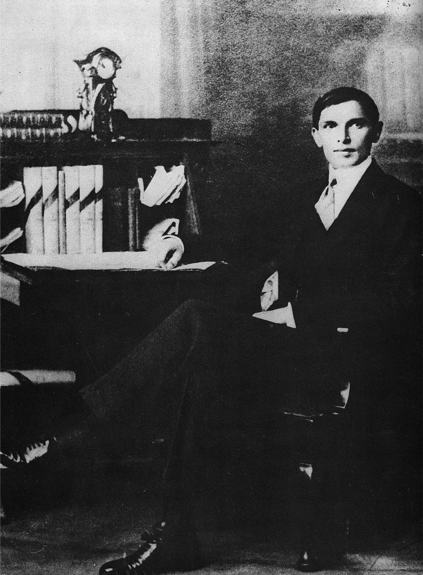 muammad ali jinnah essay Muhammad ali jinnah synopsis on december 25, 1876, muhammad ali jinnah was born in pakistan in the town of karachi he later joined politics and became a member of the indian national congress in the year 1906 after about seven years, muhammad ali jinnah became part of the indian muslim.