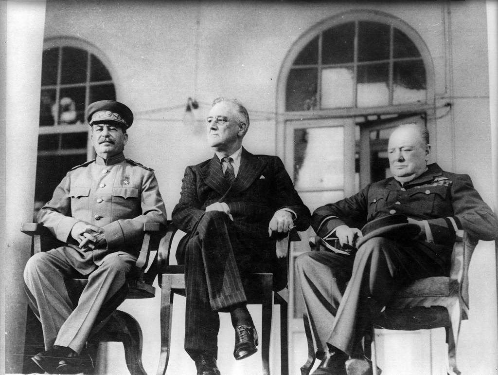 collectivisation and industrialisation in stalinist russia writework english from left to right joseph stalin franklin d roosevelt and