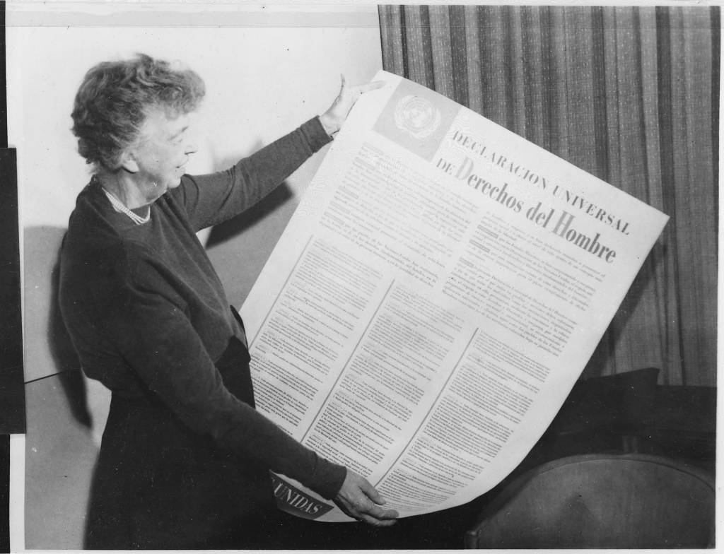 compasrion between the bill of rights and the universal  english eleanor roosevelt and united nations universal declaration of human rights in spanish text