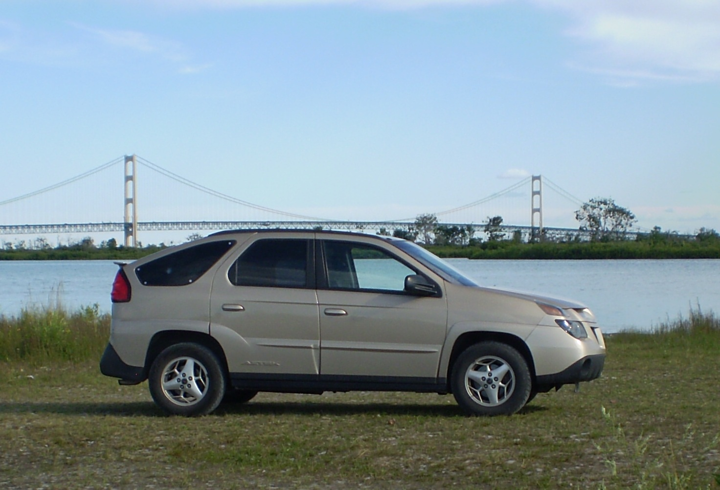 Compare Suvs Pontiac Aztec Vs Ford Escape Writework