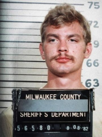 jeffery dahmer essay Case study jeffrey dahmer case study jeffrey dahmer jeffrey dahmer is perhaps one of the most notorious contemporary examples of a serial lust this chapter addresses the highly publicized case of jeffrey dahmer,this case study jeffrey.