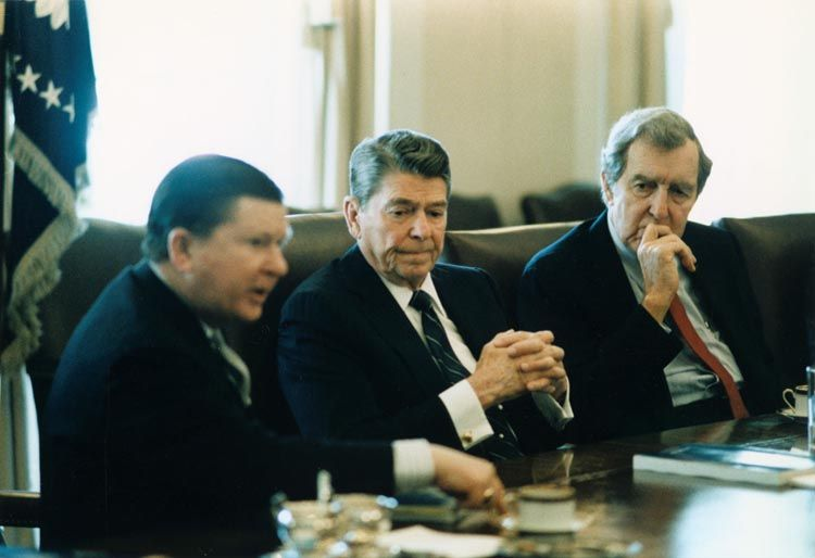 iran contra affair essay The iran contra affair began as an internal us confrontation  links to external sites will open in new browser windows and are not endorsed by the cold war museum.