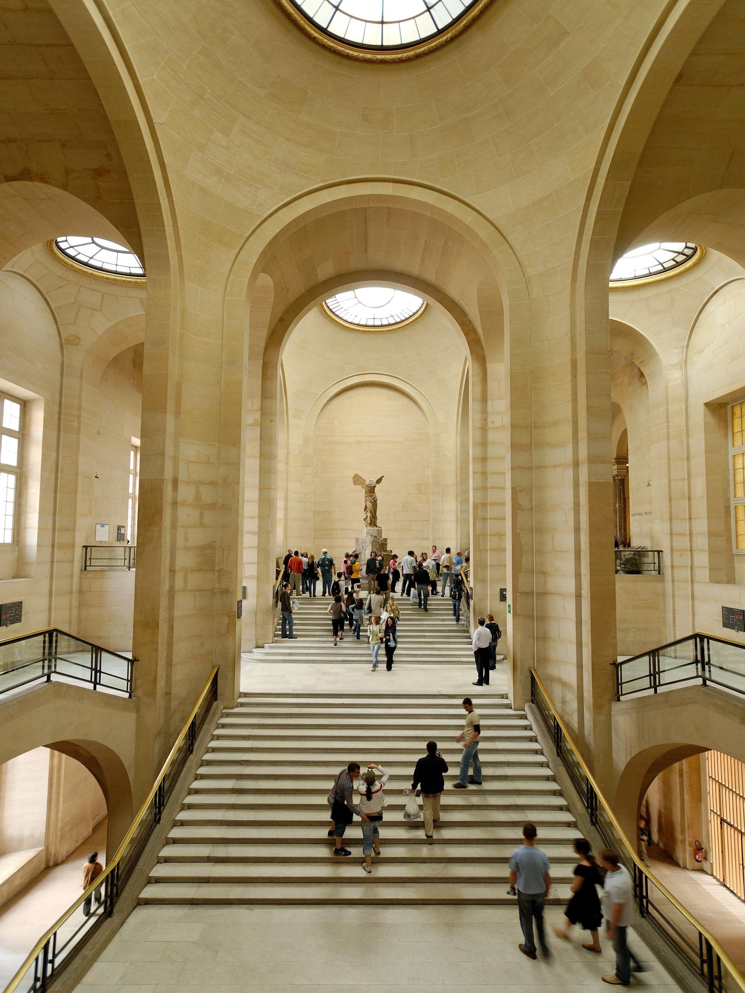 louvre museum essay