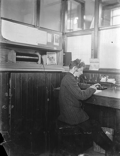 radioens historiske udvikling essay