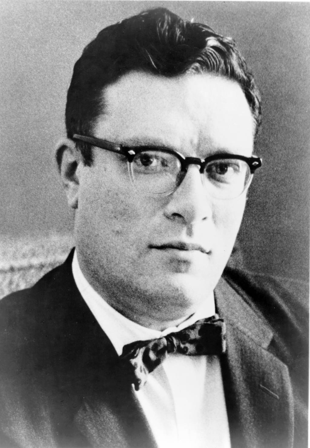 what is intelligence anyway isaac asimov Here's an interesting article on intelligence by isaac asimov: what is intelligence, anyway when i was in the army, i received the kind of aptitude test that all soldiers took and, against a normal of 100, scored 160.
