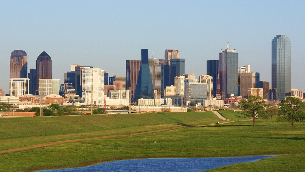 a comparison of the cities dallas texas and shreveport louisiana