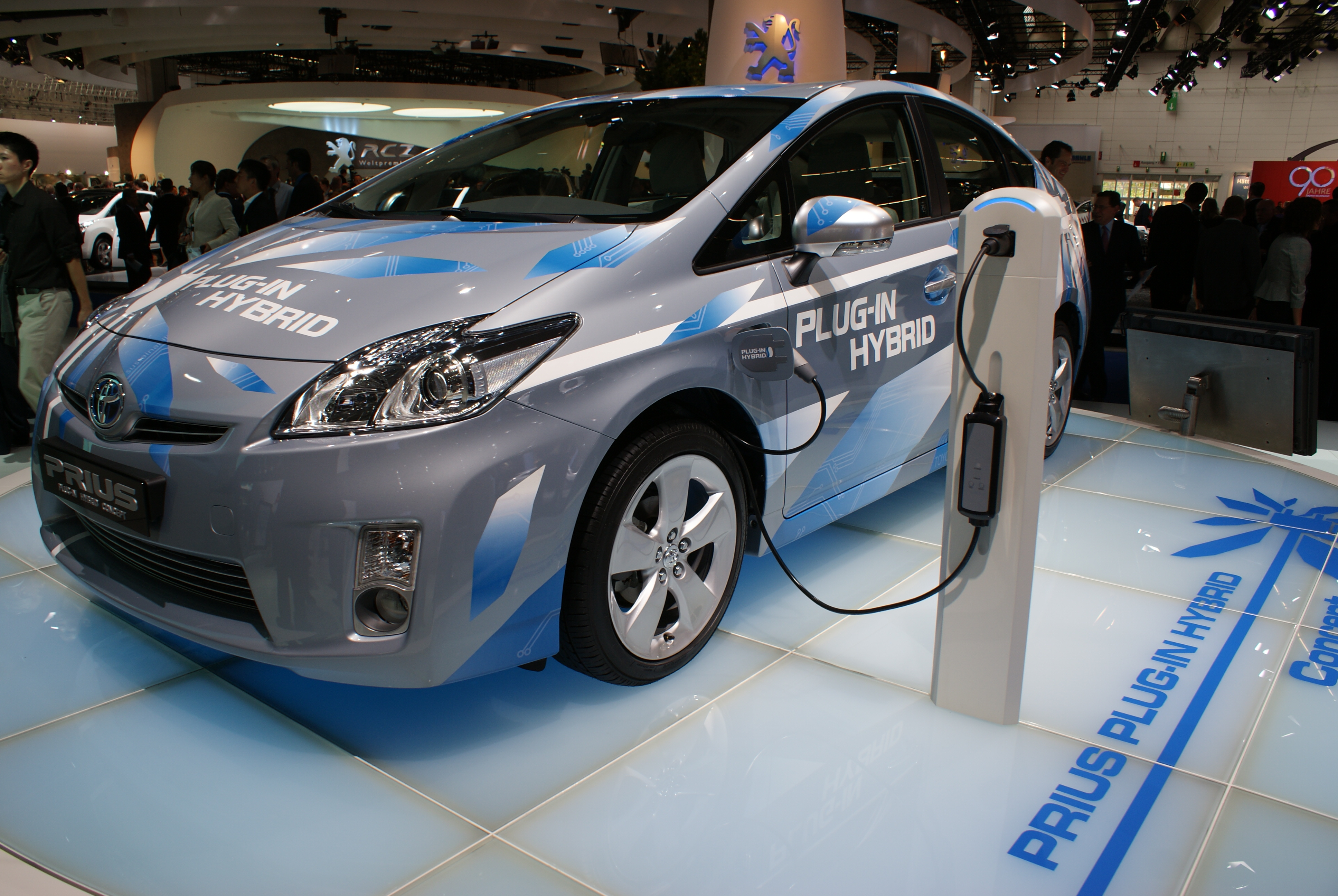 toyota prius hybrid marketing plan essay Toyota business plan essay examples toyota is the leader of the hybrid  technology with its prius the prius was the world's first.