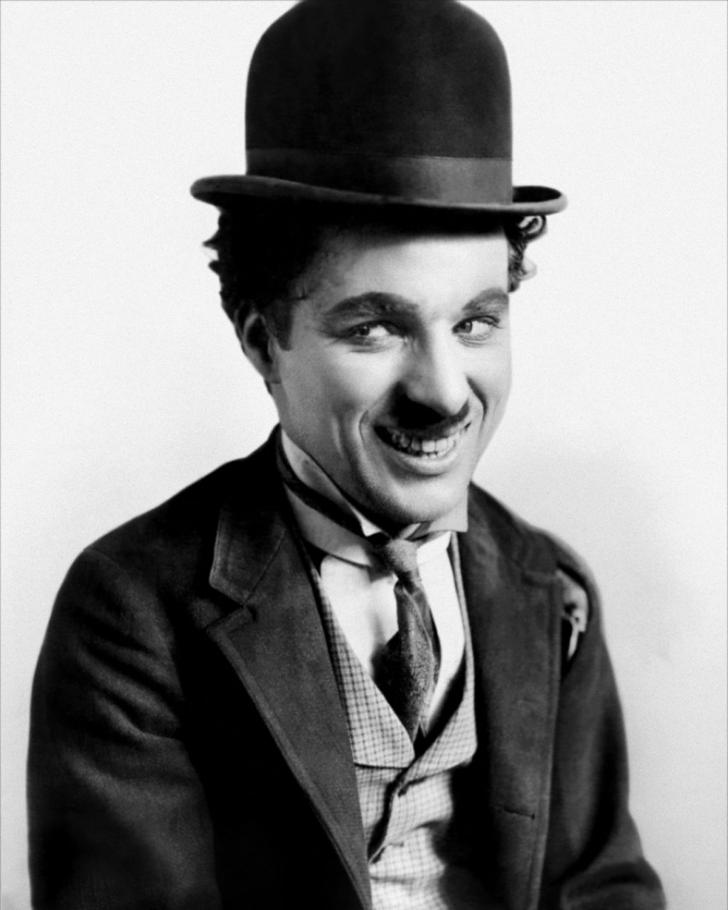 charlie chaplin biography essay Charlie chaplin in his tramp persona charlie chaplin (1889–1977) was an english actor, comedian, and filmmaker whose work in motion pictures spanned from 1914 until 1967 during his early years in film, he became established as a worldwide cinematic idol renowned for his tramp persona.