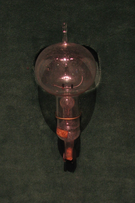 An Original Edison Light Bulb From 1879 From Thomas Edisonu0027s Shop In Menlo  Park.