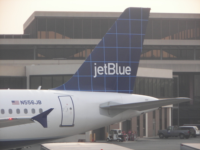 jet blue airways essay Free essay: jet blue airways managing growth 1 jet blue´s business- level strategy value and cost drivers jet blue uses to create and maintain ist.