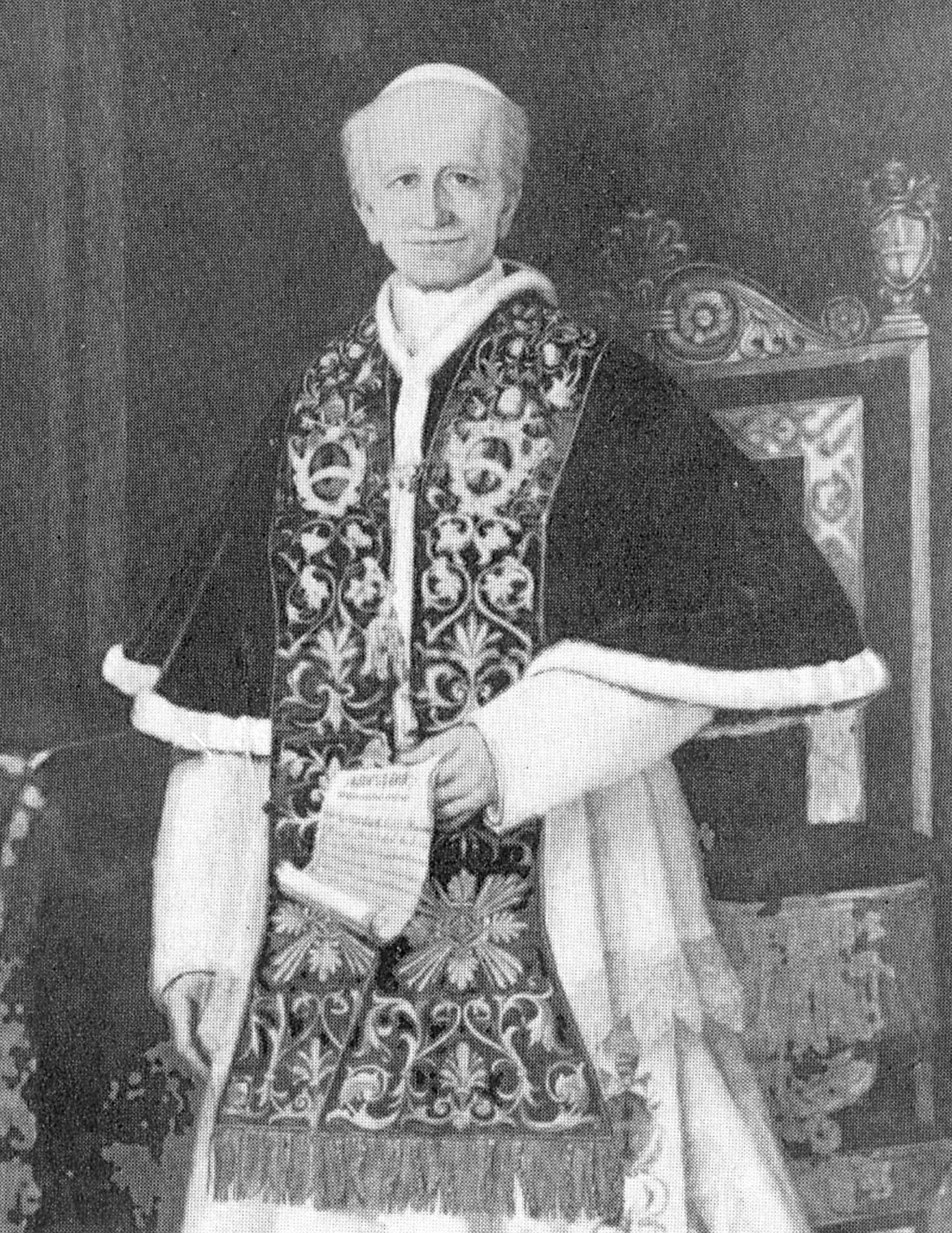 rerum novarum by pope leo xiii essay Download thesis statement on rerum novarum, pope leo xiii in our database or order an original thesis paper that will be written by one of our staff writers and delivered according to the deadline.
