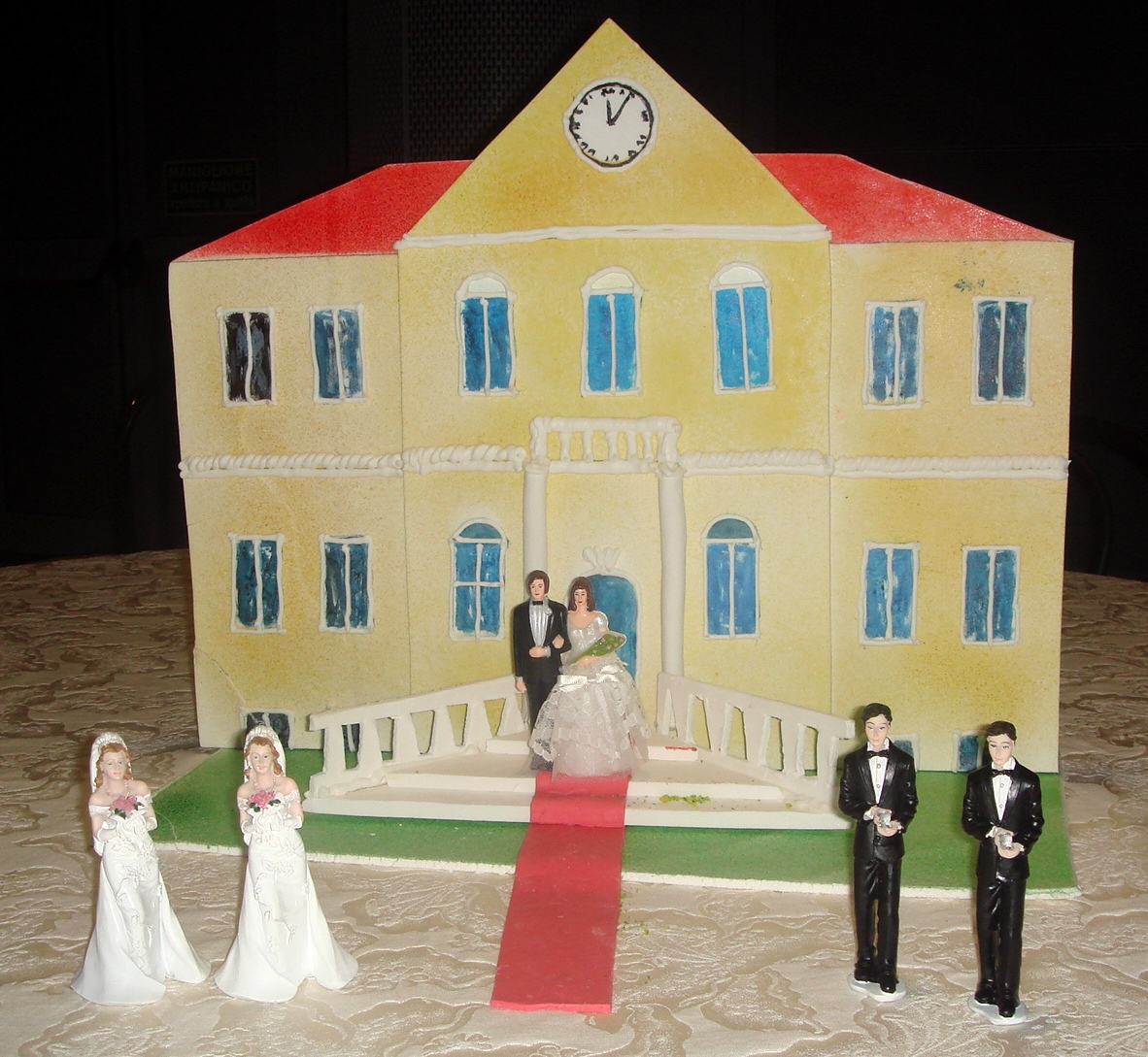 pro con gay marriage Gay marriage has become one of the most debated issues in the united states it has become a strong subject that even presidential candidates include it in their.