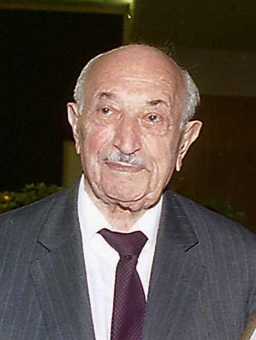 Simon wiesenthal the nazi hunter essay
