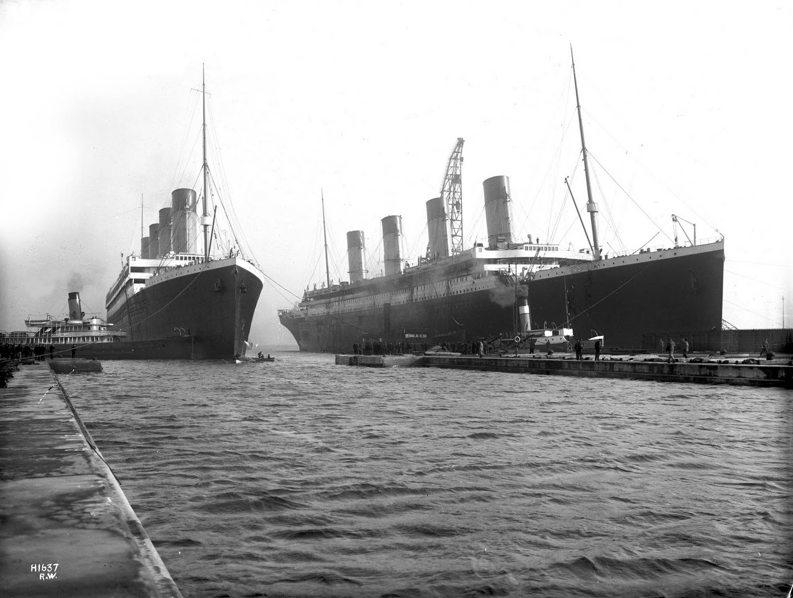the sinking of the rms titanic i got a good grade writework english 6 1912 titanic right had to be moved out
