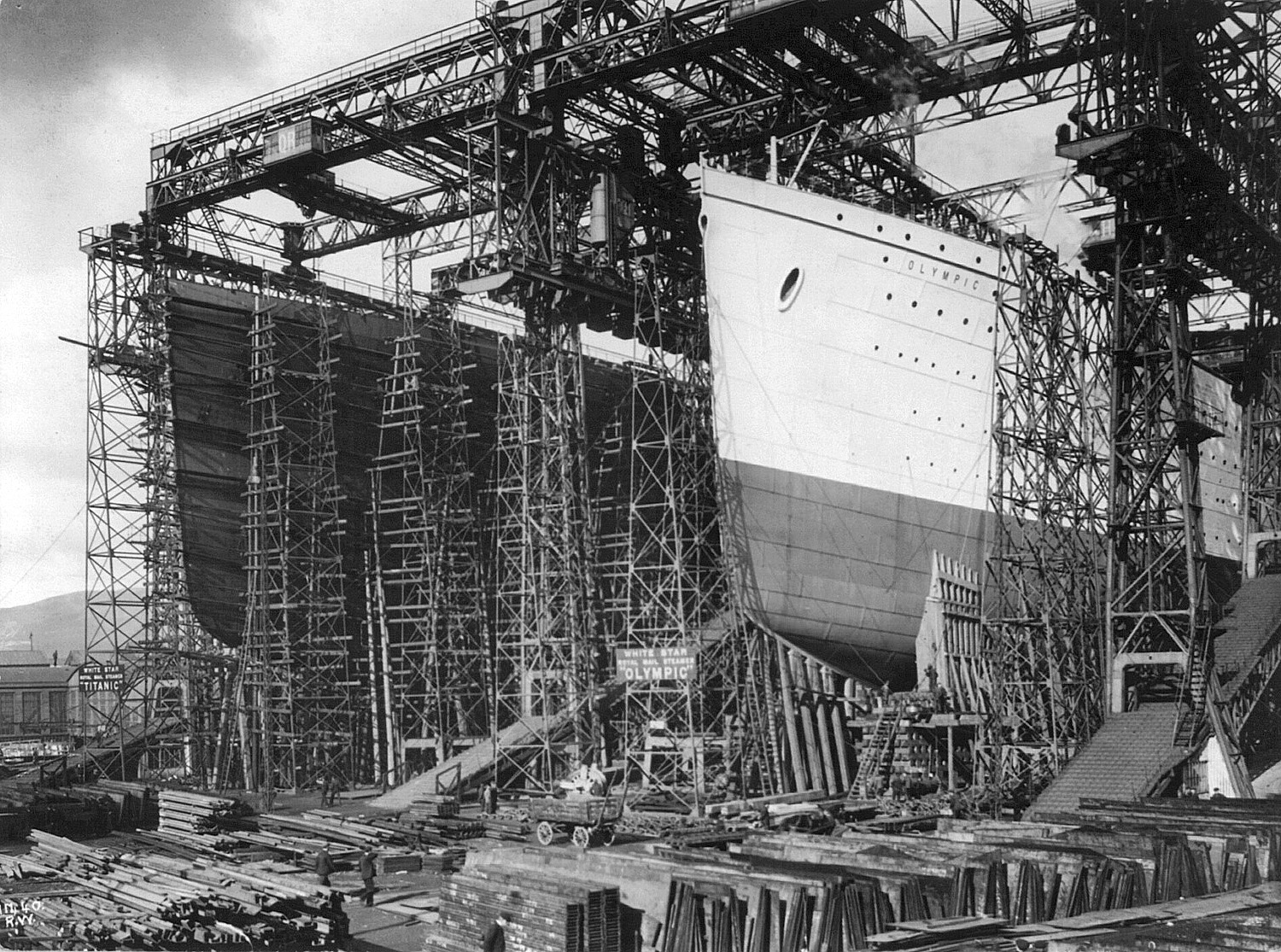 titanic the ship even man could sink  english rms olympic and rms titanic under construction in belfast ca
