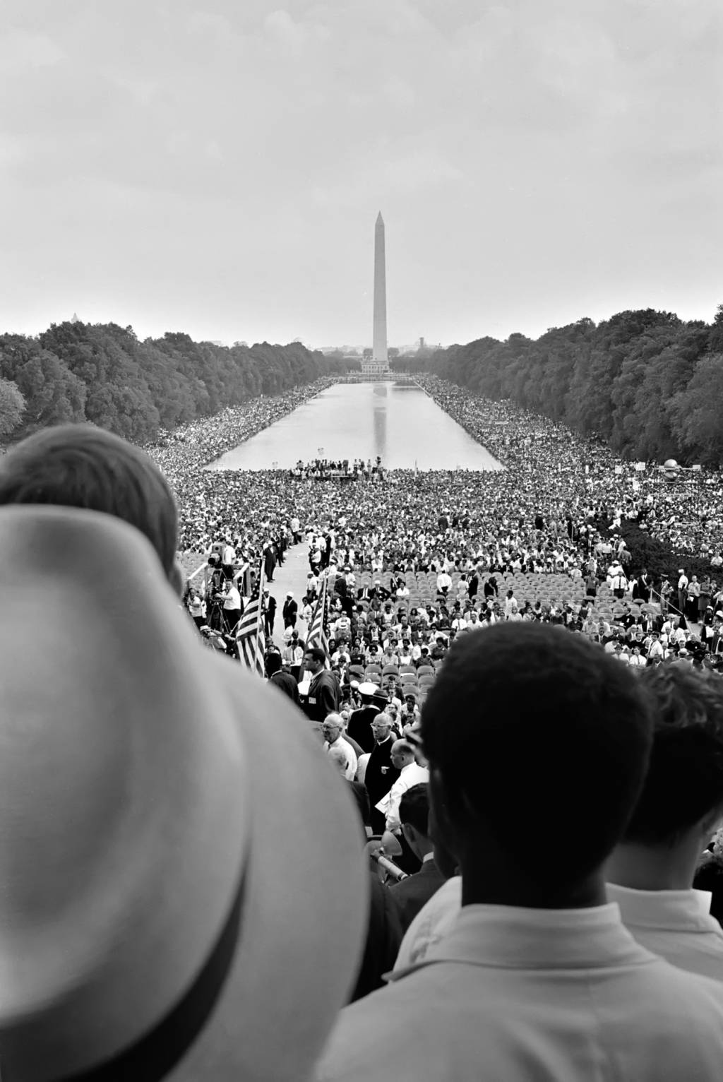 an analysis of ldquo the ways of meeting oppression rdquo martin luther crowds surrounding the reflecting pool during the 1963 on washington