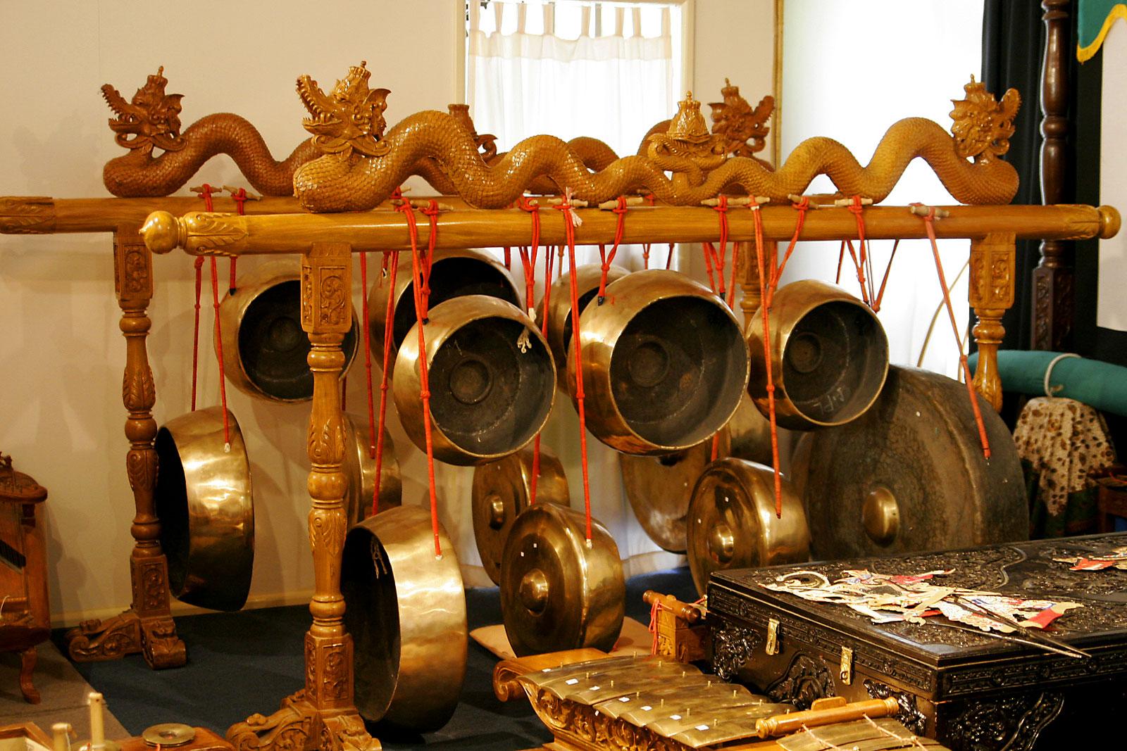 Cheap write my essay javanese gamelan music