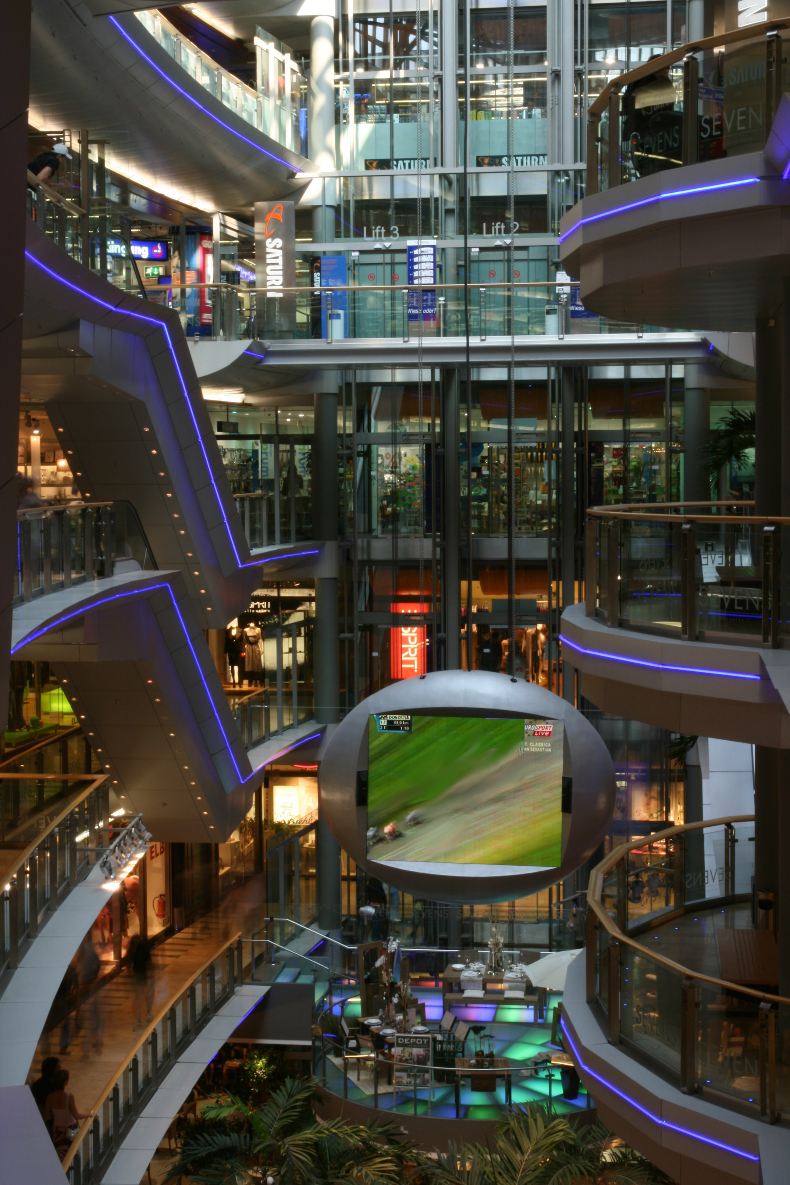 shopping malls essay Once you strip out food and cars, e-commerce is really huge.