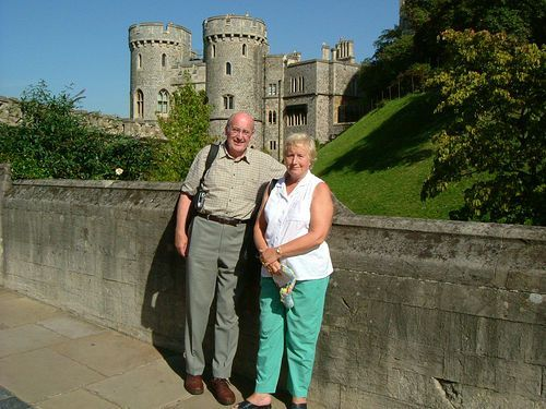 windsor castle essay Windsor castle a guide - what to see, how long to stay, changing of the guard, best time to visit, tickets and tours.