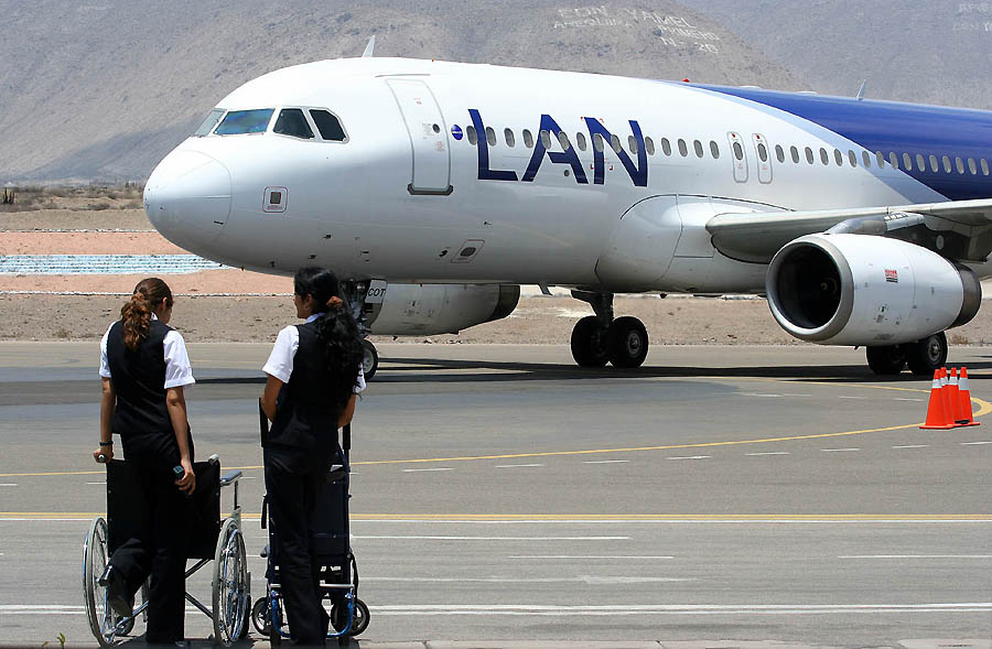 business analysis for lan chile airline Lan chile cargo : 9989%: lan pax group s percentage of equity owned by lan airlines sa directly or indirectly to abide by these terms any information provided by wikinvest, including but not limited to company data, competitors, business analysis, market share, sales revenues.