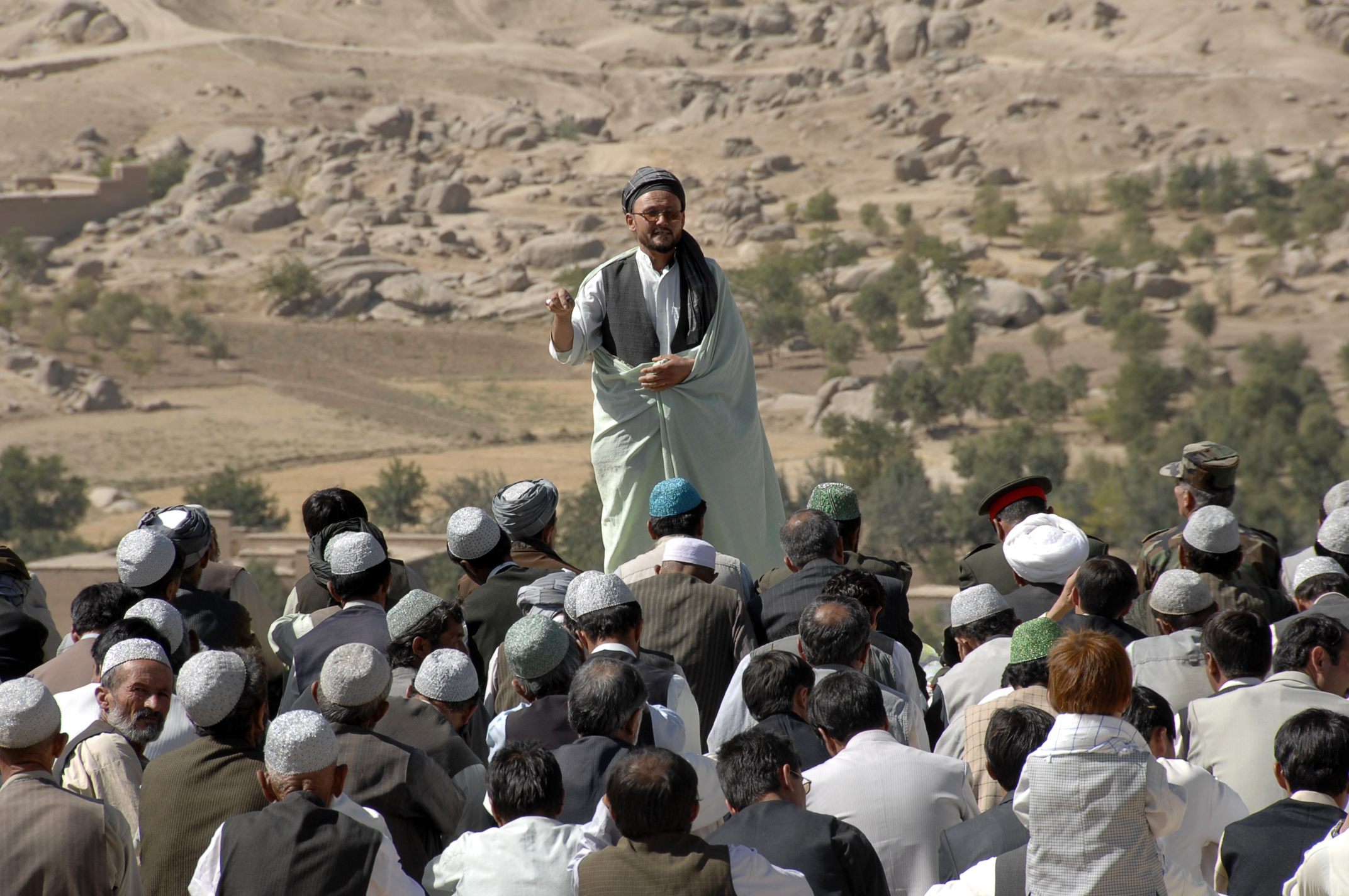 why do sunnis taliban hate shias essay 25102009 i still cant understand why are sunnis always killing innocent shias  why do sunnis kill  graveyards and i also hate humans naturally what i do.