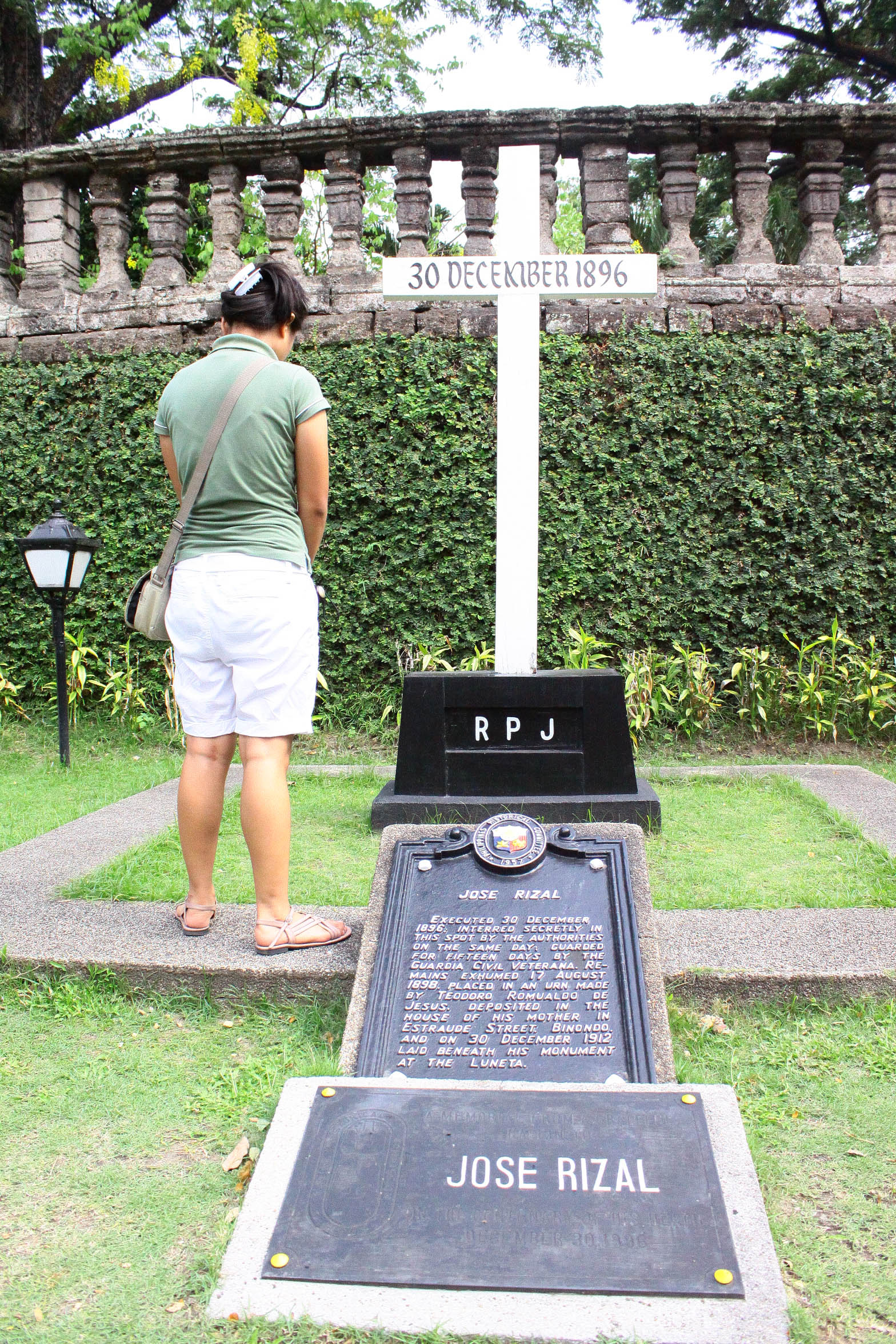 rizal park essay Writing a research paper on jose rizal is a hard task for you, isn't it  creating a  haven for citizens the rizal park where a vast amount of.