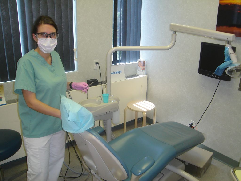 dental hygienists essay The american dental hygienists as -  to obtain a dental hygiene license and dental supervision requirements statutory law can only be changed by.
