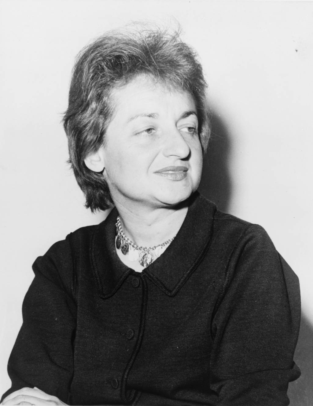 betty friedan essay Plath's the bell jar and betty friedan's the feminine mystique continue to speak  to young  laughter: an essay on the meaning of the comic trans.