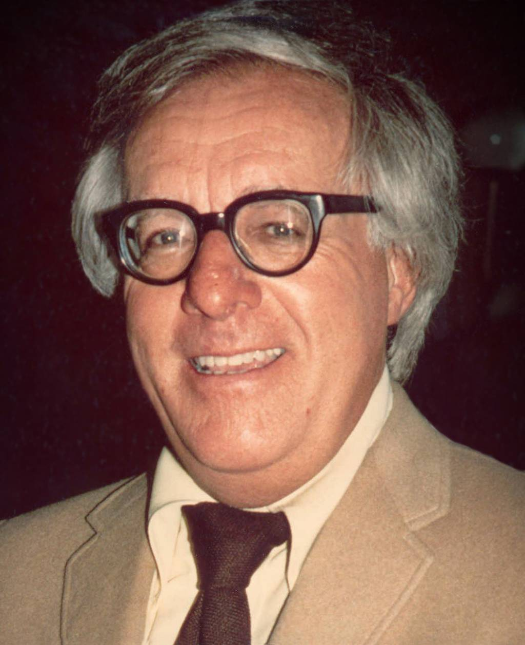 this essay is an analyzation of the short story there will come photo of ray bradbury