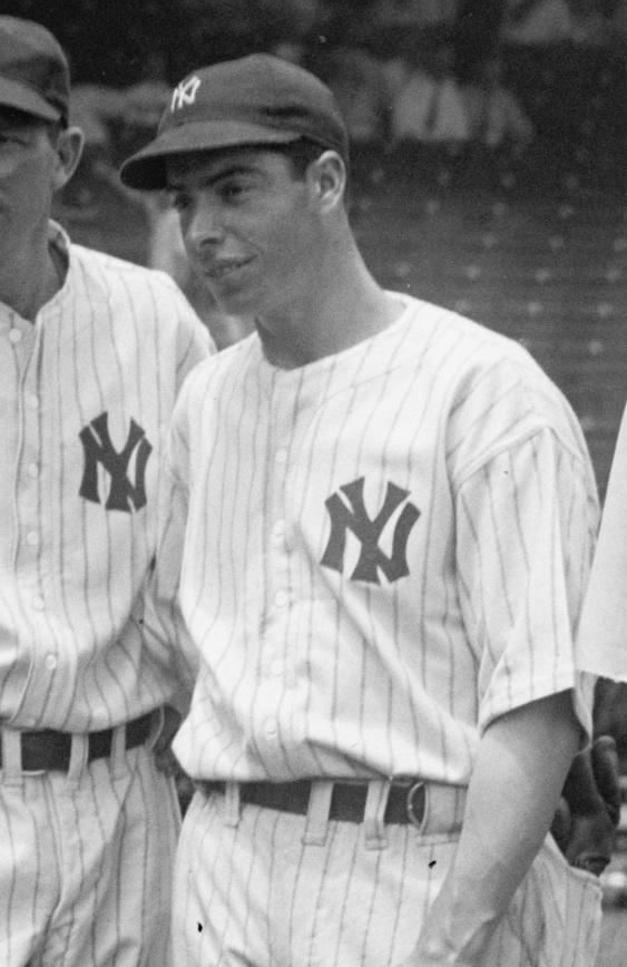A biography of joe dimaggio a baseball player