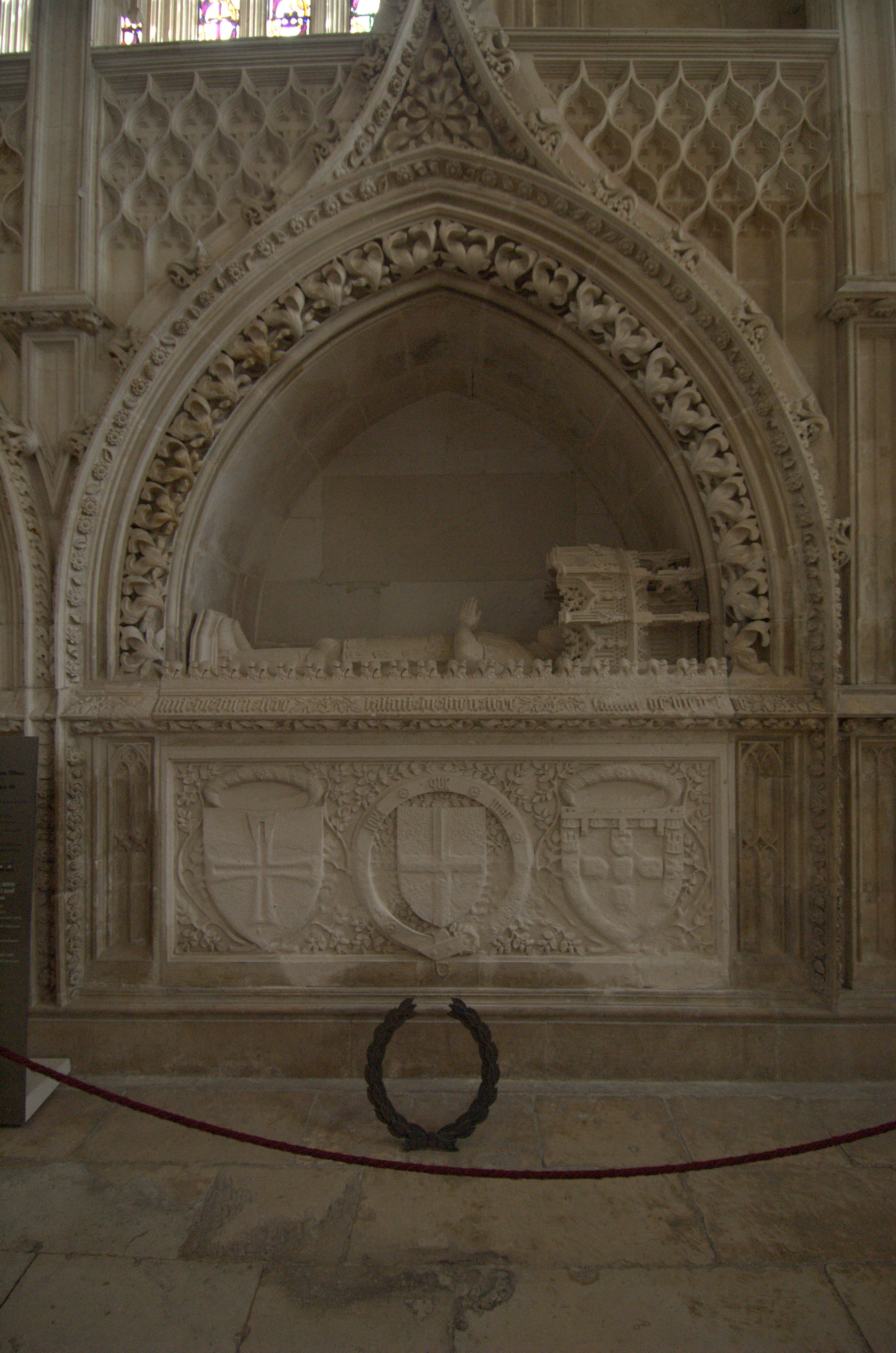 henry the navigator in the age of exploration  gothic tomb of henry the navigator in the batalha monastery
