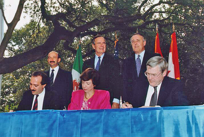 this an essay about the pros and cons of nafta and its effects on  carlos salinas left george h w bush and brian mulroney during the nafta initialing