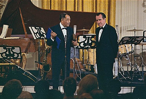 duke ellington writework ellington receiving the presidential medal of dom from president nixon 1969
